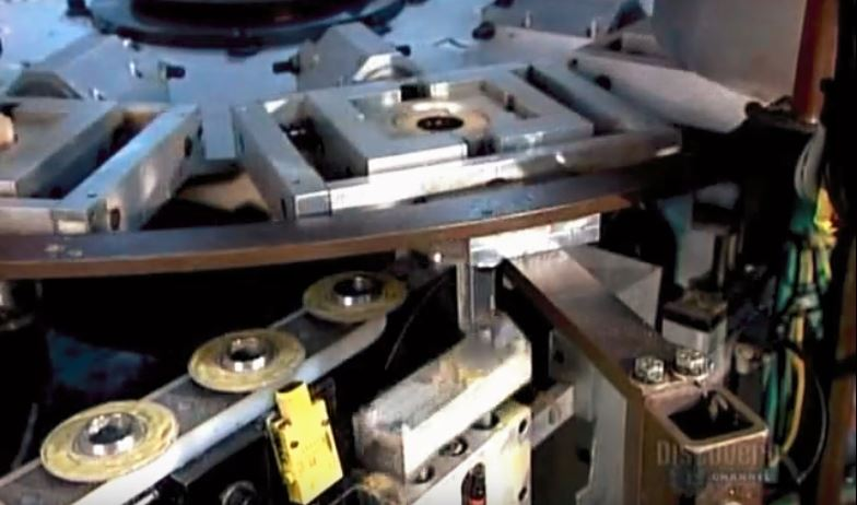 oilfilterassembly-howitsmade